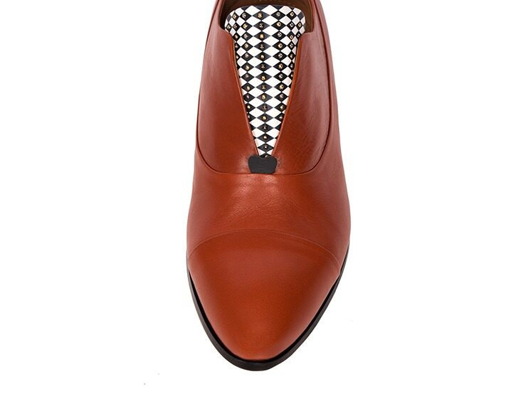 Mastra Ma' - Rosalba oxford shoe in burnt orange with memory foam, diamond pattern and studs