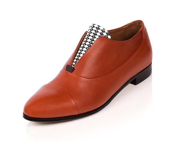 Mastra Ma' - Rosalba oxford shoe in burnt orange with red heart, diamond pattern and studs