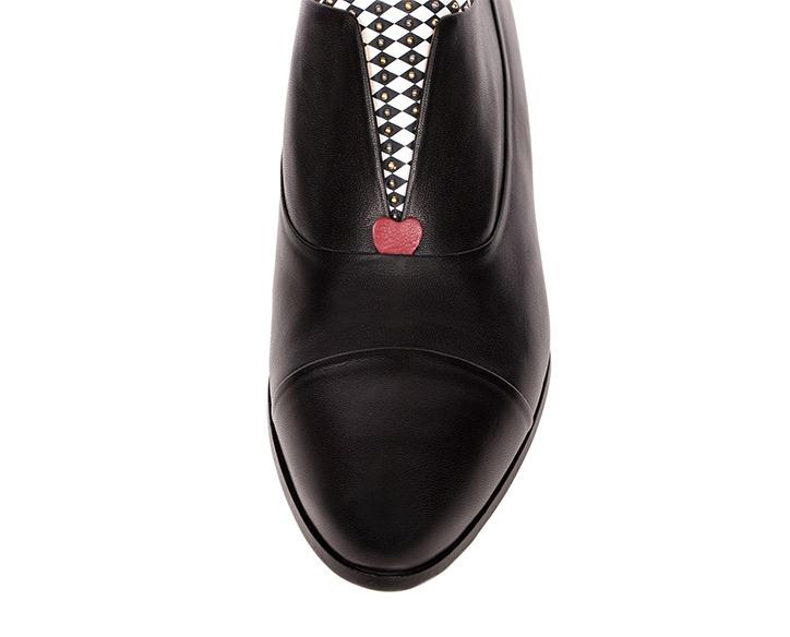 Mastra Ma' - Rosalba oxford shoe in black with memory foam, diamond pattern and studs