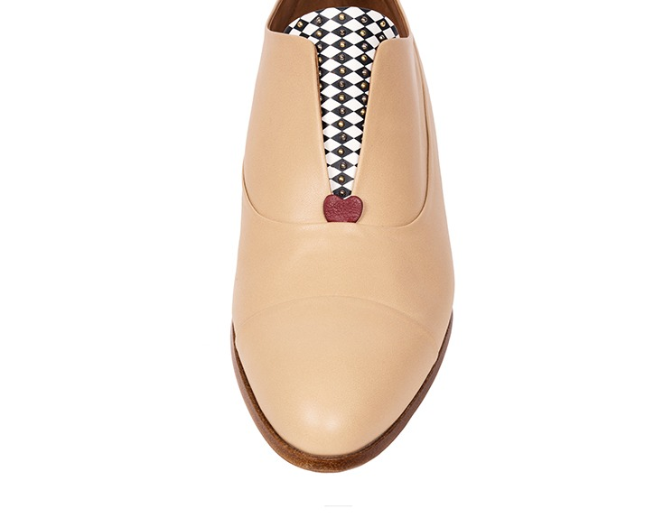 Mastra Ma' - Rosalba oxford shoe in nude with memory foam, diamond pattern and studs