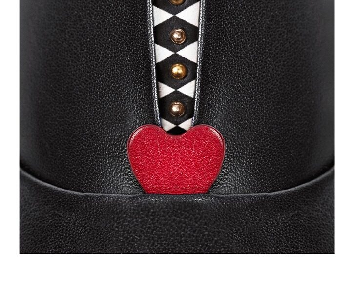 Mastra Ma' - Rosalba oxford shoe in black with red heart, memory foam and anti-slip sole