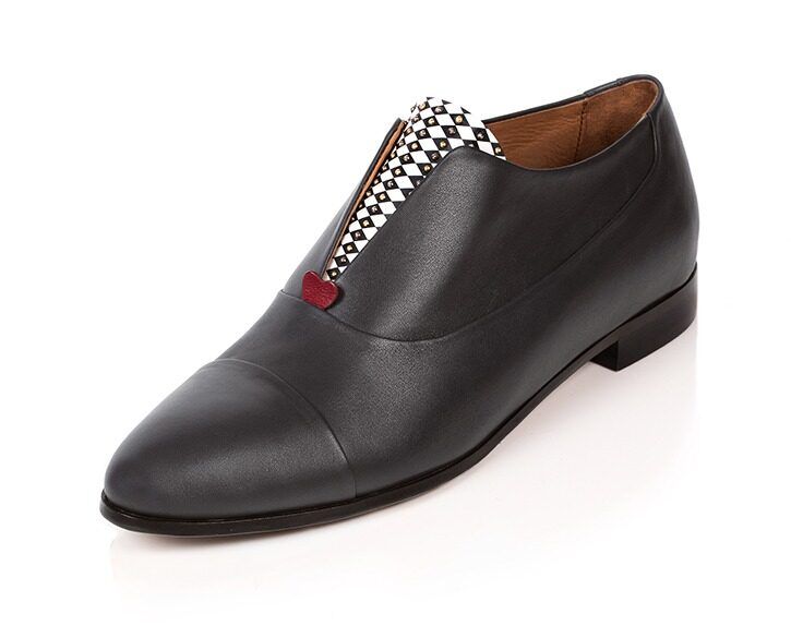 Mastra Ma' - Rosalba oxford shoe in grey with red heart, diamond pattern and studs