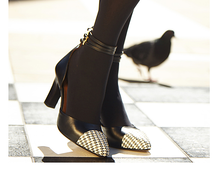 Black straps high heels outfit inspiration - Mastra Ma'