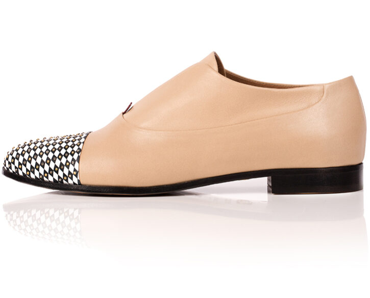 Mastra Ma' - Gaia oxford shoe in nude with memory foam, diamond pattern and studs