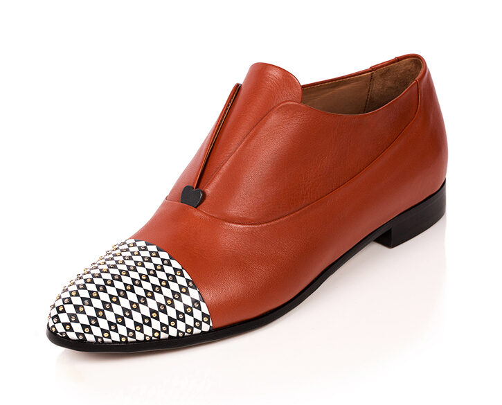 Mastra Ma' - oxford shoe women burnt orange - Gaia with studs