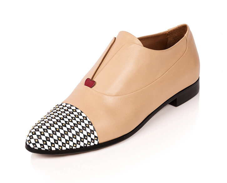 Mastra Ma' - Gaia oxford shoe in beige with red heart, diamond pattern and studs