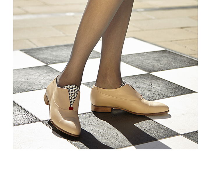 Beige Oxford shoe for women with red heart and chequered pattern - Mastra Ma'